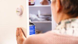 Ikäihmisten huoneistoihin asennetut sensorit seuraavat henkilön aktiivisuutta ja vuorokausirytmiä ja hälyttävät automaattisesti, mikäli rutiineissa tapahtuu jokin poikkeama.